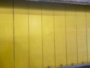 星野源「不思議」MVロケ地|黄色い壁・4階駐車場B